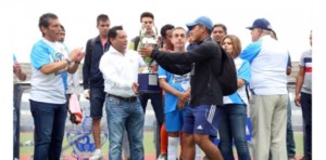 Premian a los campeones de la Copa Champions tercera edición